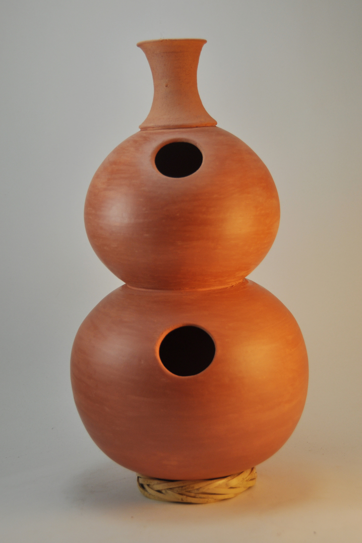 Professional quality hand made ceramic double Udu (unglazed) made by Rowshan Dowlatabadi.   (Height:43 cm, Circumferences (small/big):59.5/73.5 cm)  <hr>Price: $150